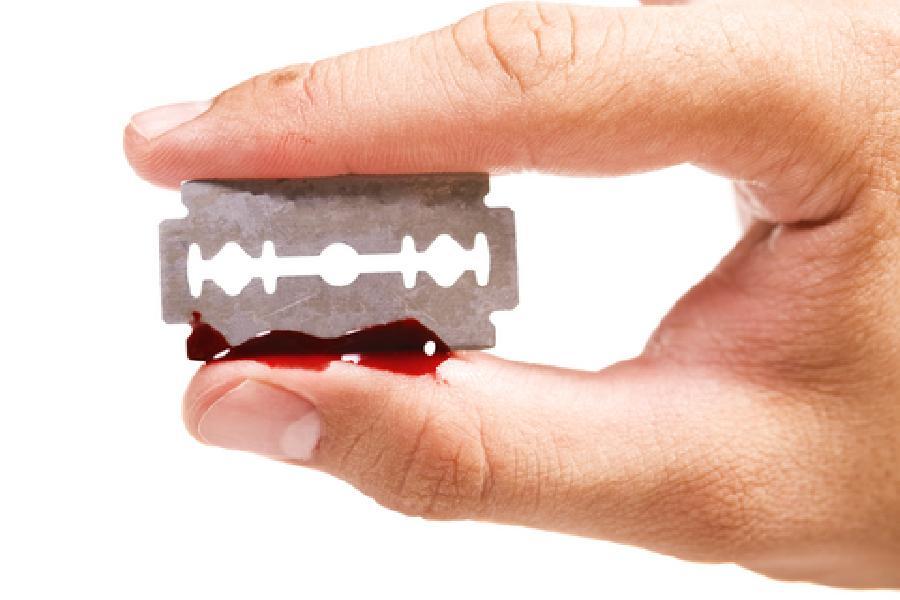 Sebepoškozování - závažný fenomén, na který reaguje i Primární prevence Phénix